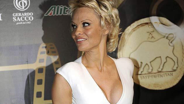 Pamela Anderson wird mit 47 Jahren Model (Bild: EPA)