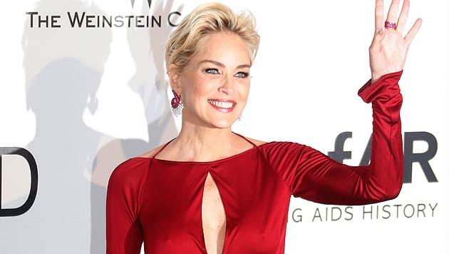 Sharon Stone: Darf jemand mit 57 so heiß aussehen? (Bild: APA/EPA/GUILLAUME HORCAJUELO)