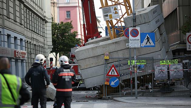 Kran stürzte auf Haus: Aufräumarbeiten beendet (Bild: Gerhard Bartel)
