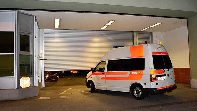 Tirol: 93 Flüchtlinge nach Italien abgeschoben (Bild: APA/ZEITUNGSFOTO.AT/DANIEL LIEBL)