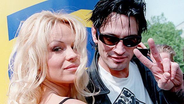 Die Ehe zwischen Pamela Anderson und Rocker Tommy Lee verlief mehr als turbulent. (Bild: Andrew Winning/EPA/picturedesk.com)