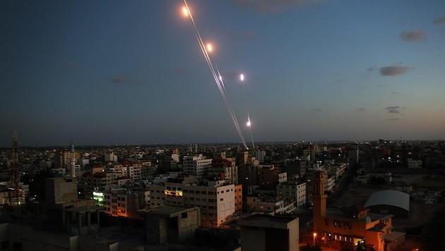 Furcht vor Raketen führt zu Boom bei Warn-Apps (Bild: APA/EPA/MOHAMMED SABER)