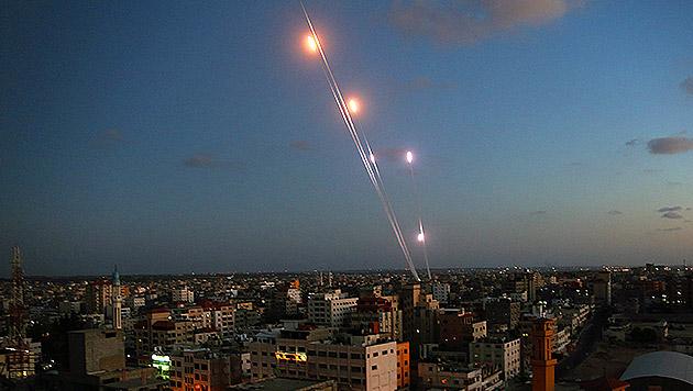 Hamas-Rakete traf eigene Stromleitung (Bild: APA/EPA/MOHAMMED SABER)
