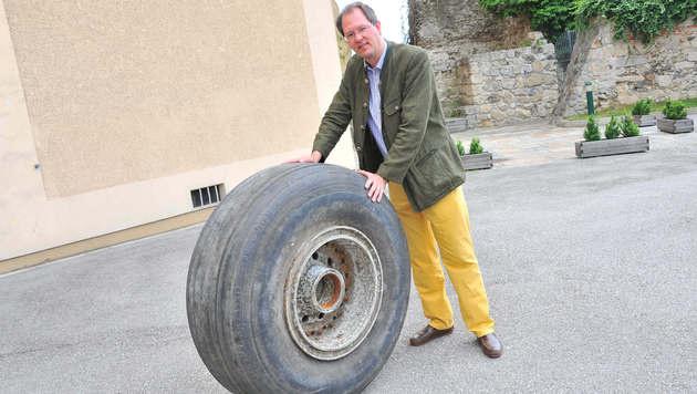 Schlossherr fand Rad einer Boeing 747 in Donauau (Bild: Horst Einöder)
