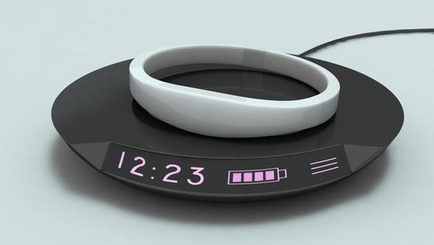 Smartwatch projiziert Infos auf den Handrücken (Bild: Ritot)