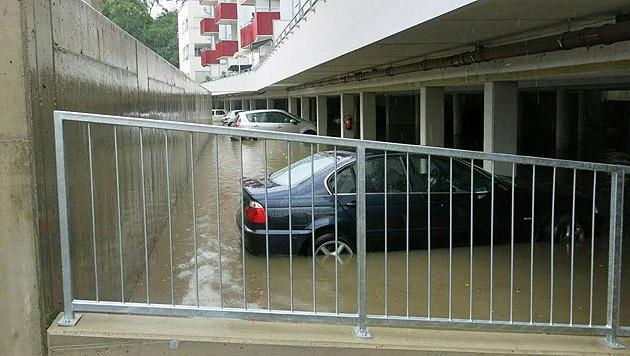 Erneut Überschwemmungen nach Gewittern im Bgld (Bild: APA/FREIWILLIGE STADTFEUERWEHR OBERWART)