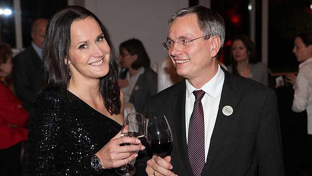 Jury-Mitglied Maggie Entenfellner mit Minister Alois Stöger. (Bild: Jürgen Radspieler)