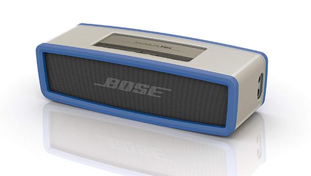 Bose pfercht bei seiner Bluetooth-Box Soundlink Mini erstaunlich viel Sound ins kompakte Gehäuse. (Bild: Bose)
