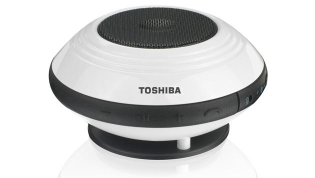 Toshibas TY-SP1 gehört zu den kompakteren und günstigeren Bluetooth-Lautsprechern am Markt. (Bild: Toshiba)