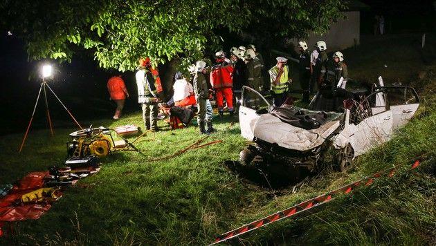 7 teils schwer Verletzte bei Autounfällen in OÖ (Bild: Daniel Scharinger)