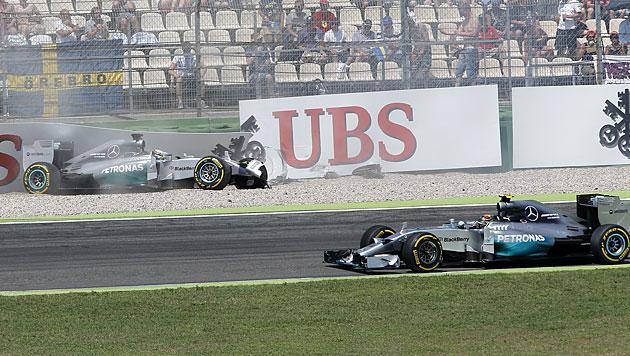 Poleposition für Rosberg, Crash von Hamilton (Bild: AP)