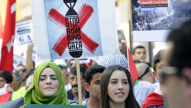 Wien: 11.000 Teilnehmer bei Gaza-Demonstration (Bild: APA/HERBERT P. OCZERET)