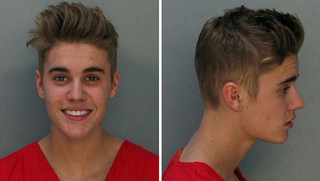 Justin Bieber wurde im Jänner 2014 betrunken bei einem illegalen Straßenrennen verhaftet. (Bild: APA/EPA/MIAMI-DADE CORRECTIONS)