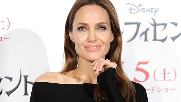 Angelina Jolie gibt zu: Sie kann ganz schön eifersüchtig sein. (Bild: AP/Eugene Hoshiko)