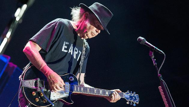 Neil Young überzeugte als fröhlicher Alt-Hippie (Bild: Andreas Graf)