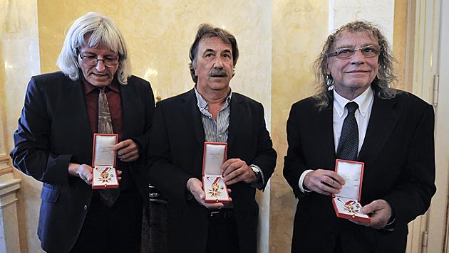2012: Auszeichnung mit dem Goldenen Ehrenzeichen für Verdienste um die Republik Österreich (Bild: APA/HERBERT NEUBAUER)