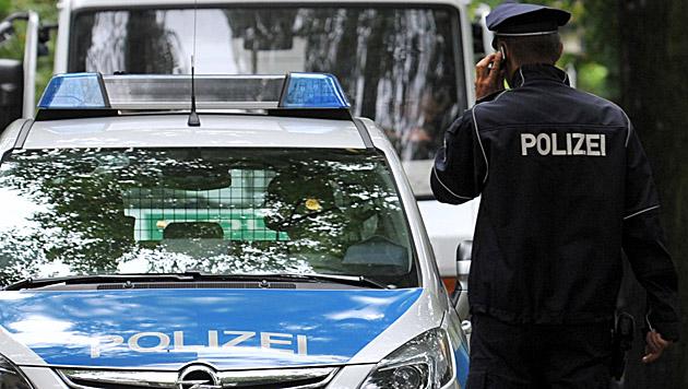 Vorarlberger in tödlichen Unfall verwickelt (Bild: APA/dpa/Paul Zinken (Symbolbild))