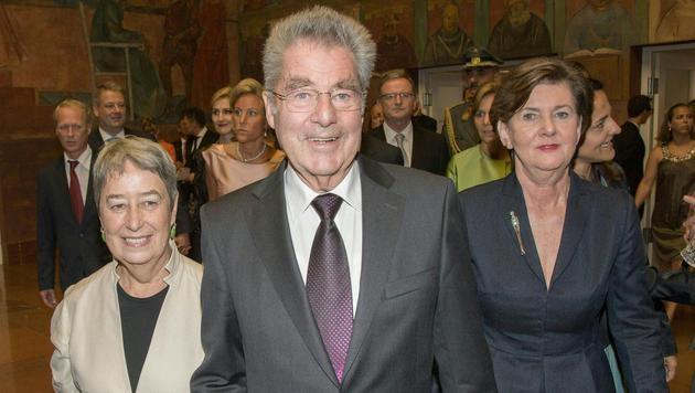 Heinz Fischer mit Ehefrau Margit und Festspiel-Präsidentin Helga Rabl-Stadler (Bild: APA/NEUMAYR/MMV)