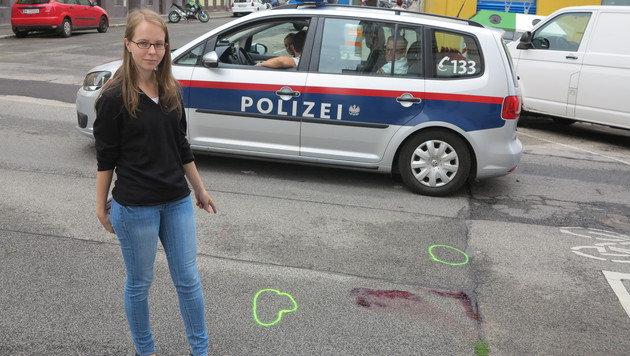 """""""Krone""""-Redakteurin vor Ort: An dieser Stelle brach das Opfer blutüberströmt zusammen. (Bild: Florian Hitz)"""