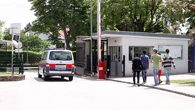 Flüchtlingsheim-Firma verfünffacht (!) Gewinn (Bild: Andi Schiel)