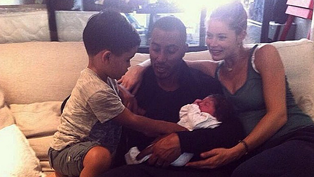 Doutzen Kroes zwei Monate nach Geburt wieder dünn (Bild: instagram.com/doutzen)
