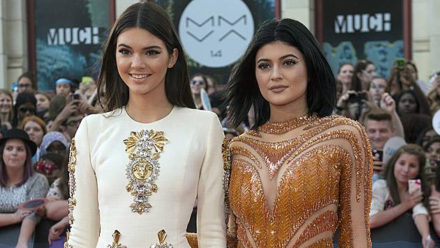 Kendall und Kylie Jenner (Bild: AP)