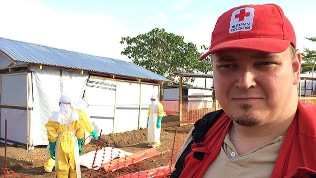 Tropenmediziner Michael Kühnel war wochenlang im Ebola-Gebiet in Sierra Leone im Einsatz. (Bild: Rotes Kreuz)