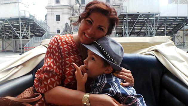 Hier hat Tiago (5) seine berühmte Mama mal ganz für sich. (Bild: facebook.com/annanetrebko)