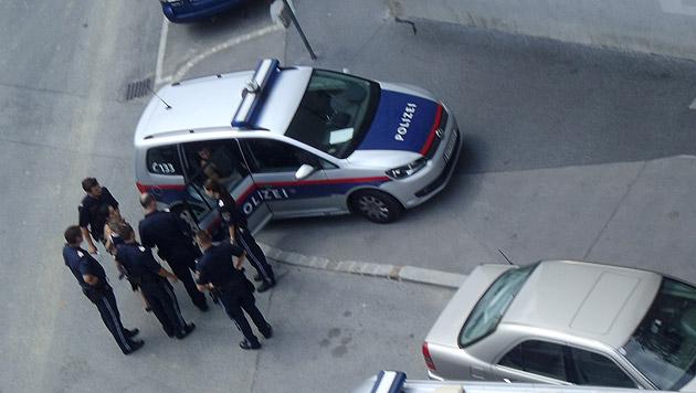 """Das mutmaßliche Räuber-Duo wurde von der Polizei festgenommen. (Bild: """"Krone""""-Leserreporterin Krystyna Kelemen)"""