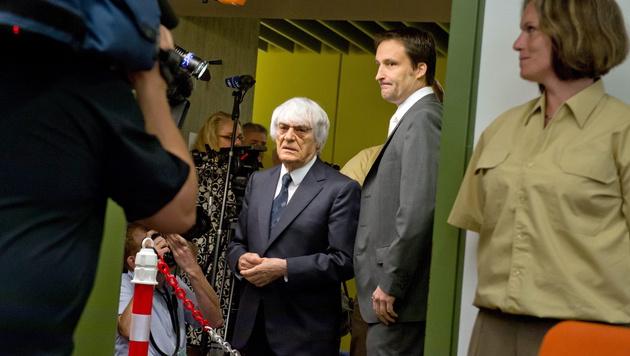 Ecclestone beim Prozess in München (Bild: APA/EPA/PETER KNEFFEL)