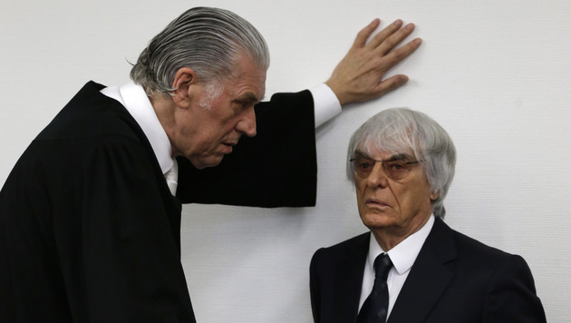 Ecclestone beim Prozess in München (Bild: AP)