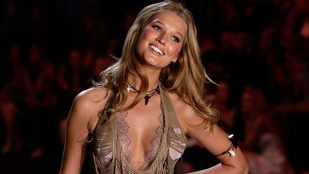 Toni Garrn modelt für Victoria's Secret. (Bild: EPA/JASON SZENES)