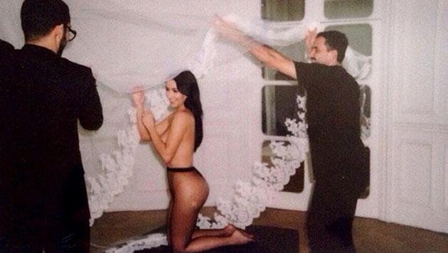 """Kim zeigt ihren Po. """"Belfie"""", """"Butt-Selfie"""" also """"Po-Selfie"""" heißen solche Bilder. (Bild: instagram.com/kimkardashian)"""