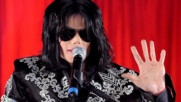 Auch nach Michael Jacksons Tod kommen immer wieder neue Missbrauchsvorwürfe ans Tageslicht. (Bild: APA/EPA/STR)