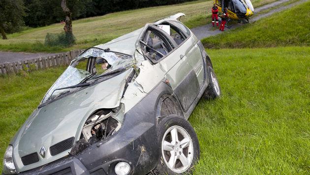 Für den Unfalllenker kam jede Hilfe zu spät. (Bild: APA/DIETMAR MATHIS)