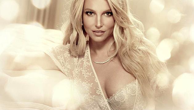 Sehr sexy! Britney präsentiert die schöne Reizwäsche selbst. (Bild: twitter.com/britneyspears)