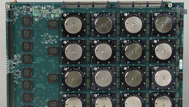 """""""TrueNorth"""" soll, genau wie das menschliche Hirn, mehrere Aufgaben simultan lösen können. (Bild: IBM)"""