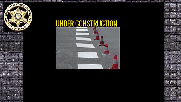 """Der Polizeichef ließ die Seite mittlerweile offline stellen. Nun liest man dort """"Baustelle"""". (Bild: Screenshot www.bradleysheriff.com)"""