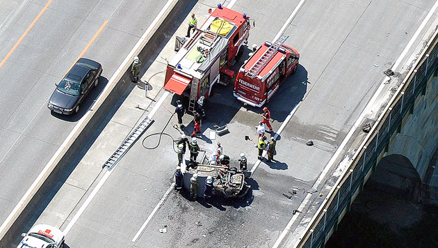 Kind bei Verkehrsunfall auf A1 in Auto verbrannt (Bild: APA/PAUL PLUTSCH)