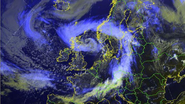 """Die Reste von Hurrikan """"Bertha"""" erreichen Europa. (Bild: EUAETSAT/UBIMET)"""