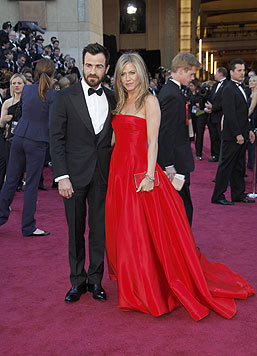 Von 2000 bis 2005 war sie mit Brad Pitt verheiratet. Seit 2012 ist sie mit Justin Theroux verlobt. (Bild: AP/Carlo-Allegri)