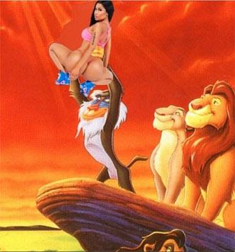 """Nicki Minajs Rückenansicht in einer Szene aus """"König der Löwen"""" (Bild: instagram.com/nickiminaj)"""