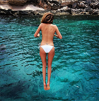 """Made in Chelsea""-Star Millie Mackintosh veröffentlichte dieses Back-Selfie. (Bild: instagram.com/camillamackintosh)"