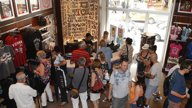 Wiens Hard Rock Cafe hat am Freitag eröffnet. (Bild: Zwefo)
