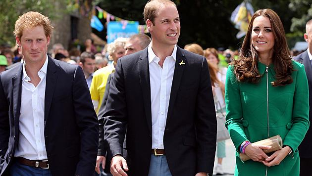 Haben William und Kate Harry etwa Gusto auf eine eigene Familie gemacht? (Bild: AP)