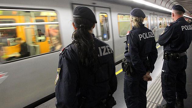Drogenrazzia in der Wiener U-Bahn (Bild: Peter Tomschi (Symbolbild))