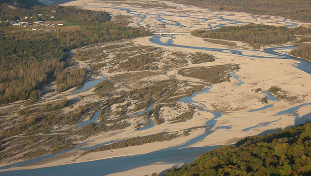 Das Flussbett des Tagliamento kann bei Starkregen tückisch sein. (Bild: Diego Cruciat)