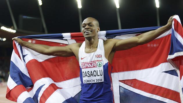 Sieg über 100 Meter: Der Brite James Dasaolu feiert seinen Triumph in Zürích. (Bild: AP)