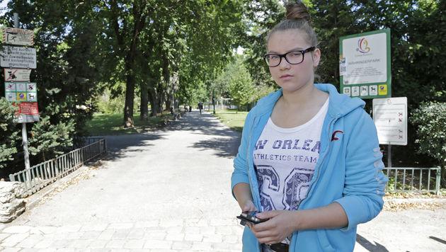 Melanie (15) wurde im Währingerpark ausgeraubt. (Bild: Klemens Groh)