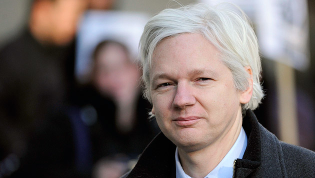 Julian Assange (Bild: APA/EPA/FACUNDO ARRIZABALAGA)